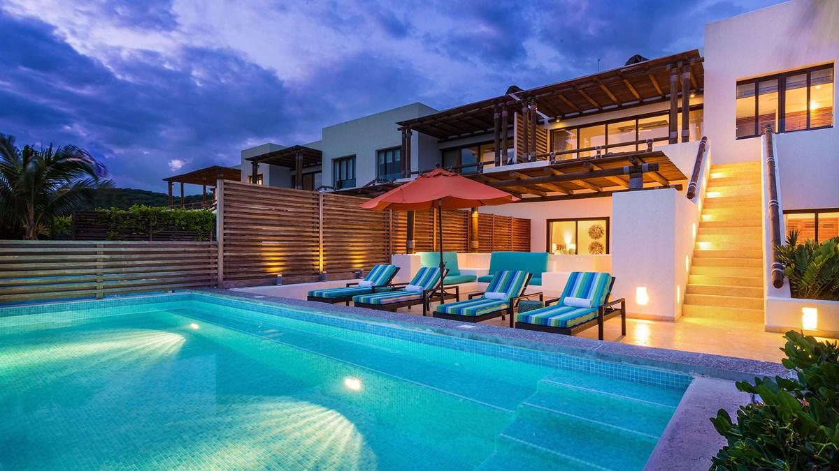 Las Terrazas Los Veneros Resort Residences Beach Club