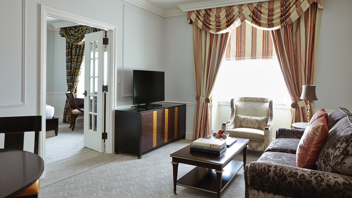 Corner one bedroom suite belmond charleston place - 2 bedroom hotels in charleston sc ...